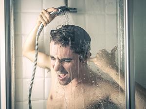 Холодный душ может быть опасным для здоровья