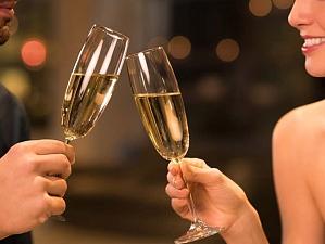 Эксперты выяснили, какой напиток обеспечит страстный секс