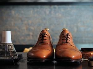 Как правильно чистить мужскую обувь, чтобы она сияла?