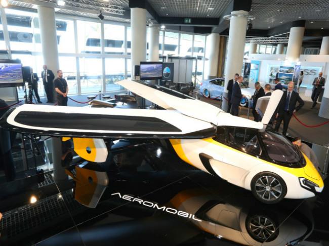 Мировой общественности был представлен летающий автомобиль (ВИДЕО)
