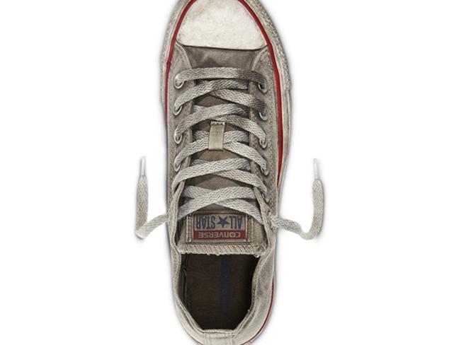 Converse продают «ношеные» кеды по 80 долларов за пару
