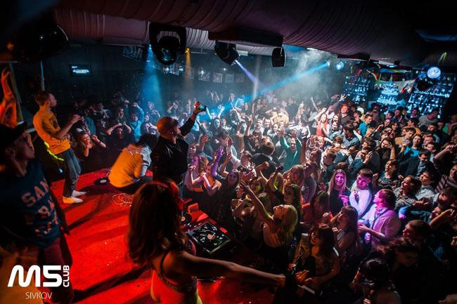 Ночной клуб м 5 стриптиз бары с спб
