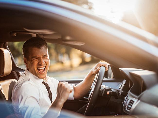 Эксперты рассказали, под какую музыку водить авто опасно