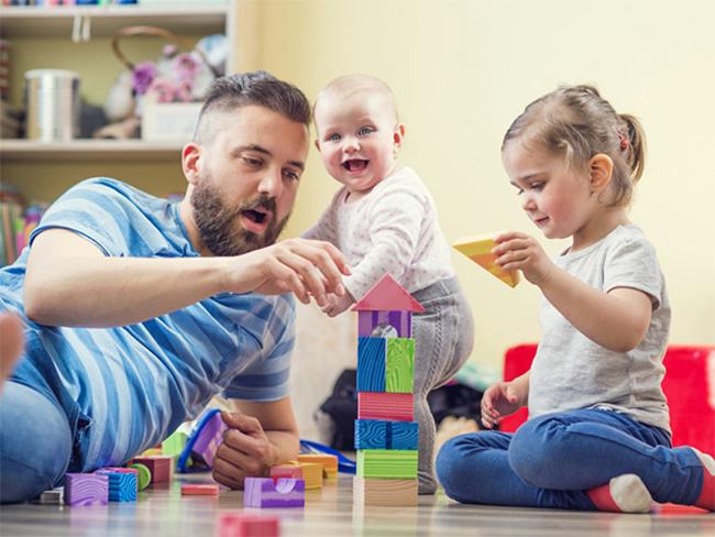 Подсказка уставшему отцу: 3 варианта спокойной игры с ребенком