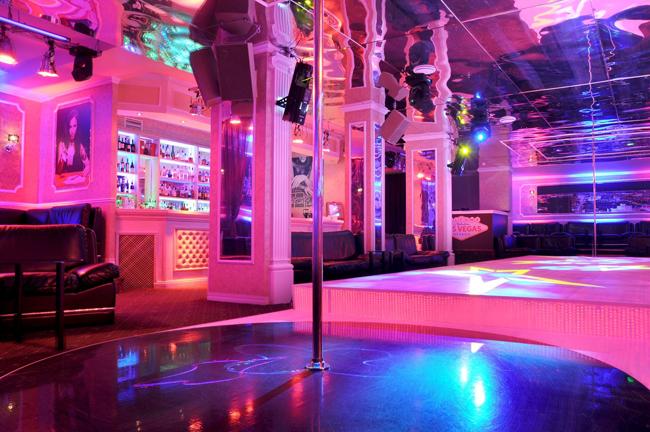 Стрип клубы roxbury что одеть зимой в ночной клуб