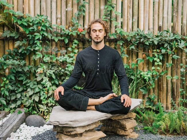 Названа польза медитации