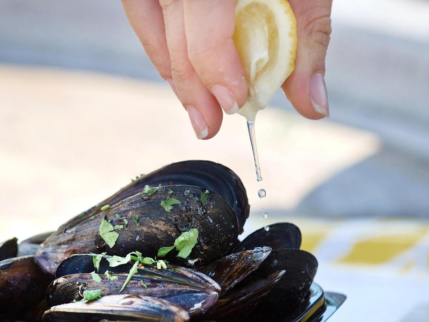 Моллюск — помощник в сексе? В чем польза мидий для мужчин?