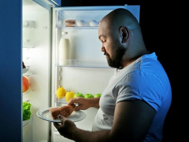 Какая еда поможет выспаться