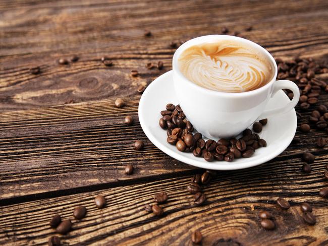 Медики рассказали, как нужно пить кофе летом