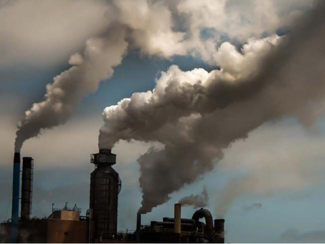 Загрязненный воздух влияет на смертность от коронавируса