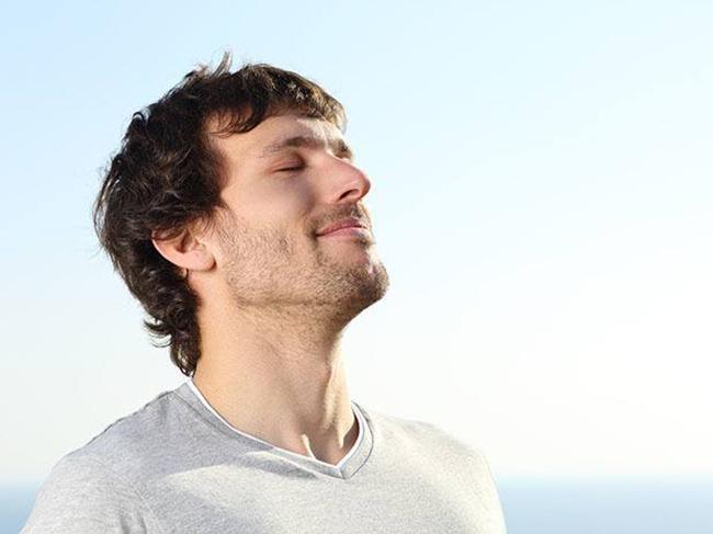 Как справиться с неприятным запахом изо рта при помощи еды