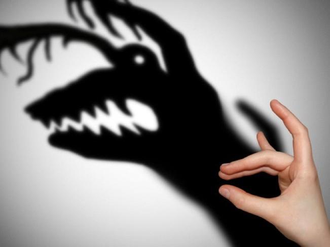 Манипуляции: 11 самых известных тактик и как им противостоять