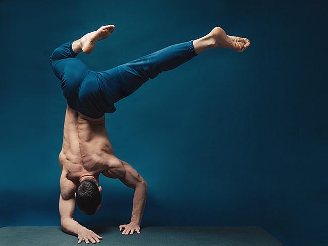Йога для сильных духом. Женщинам вход воспрещён